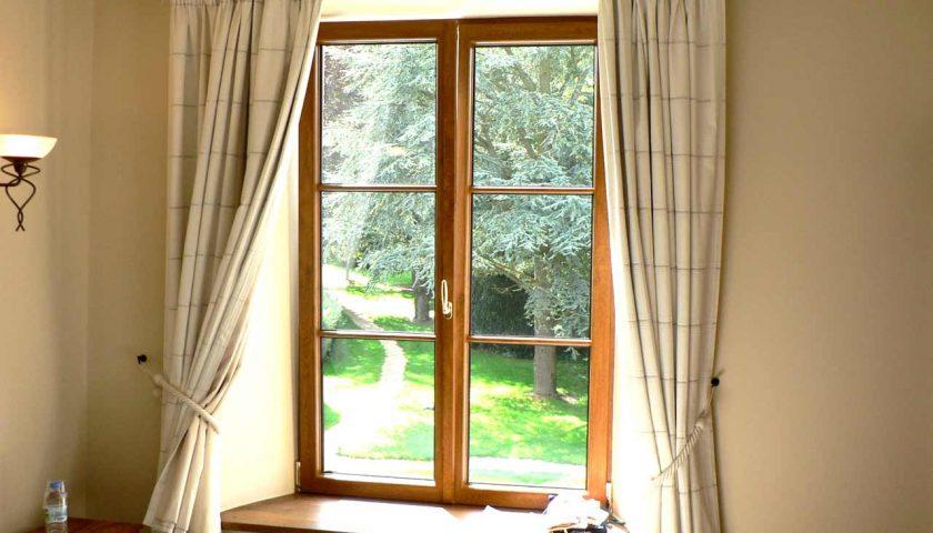 Foró egy osztott ablakról