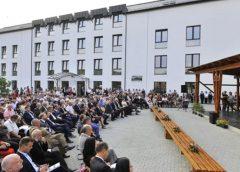 Az erdélyi Szamosújváron átadták a szórványgimnáziumot
