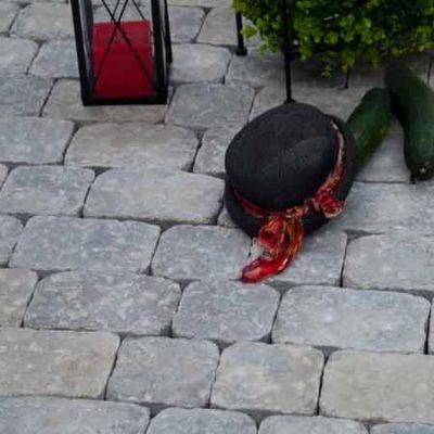Abeton Antik térkő kalappal