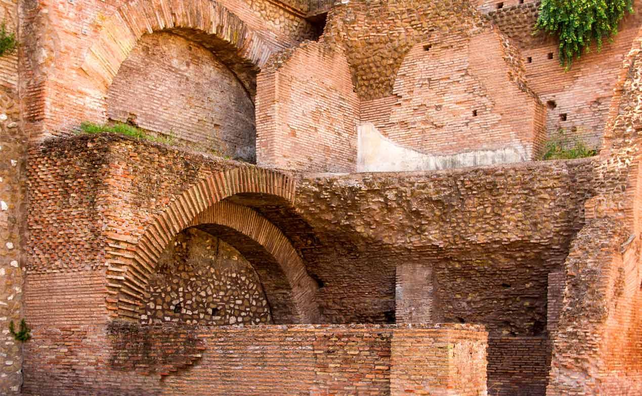 Római téglafalazat a Forum Romanum-ban